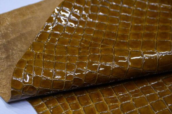 Кожа оленя, лак с тиснением, горчичная, 64 дм2, Bonaudo S.p.A.-109976