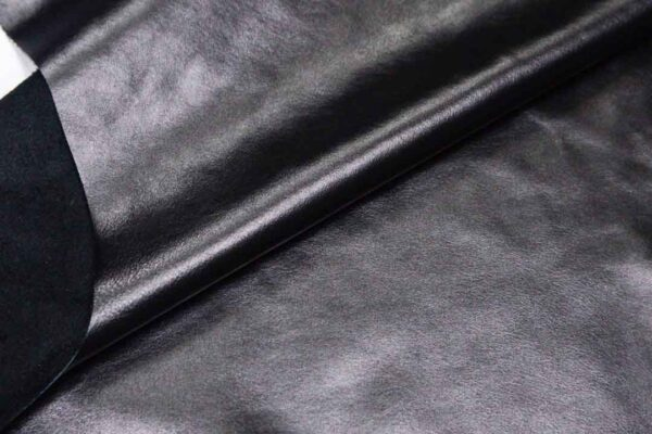 Кожа КРС, черная, 147 дм2.-D1-265