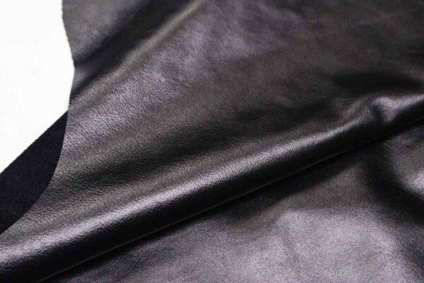 Кожа КРС, черная, 149 дм2.-D1-266