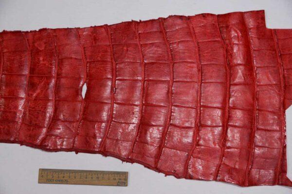 Кожа крокодила, красная, с эффектом пул ап (Pull Up) 120х32 см.- kr-340
