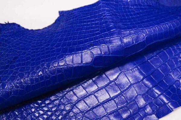 Кожа крокодила, синяя, 44х40 см.- kr-343
