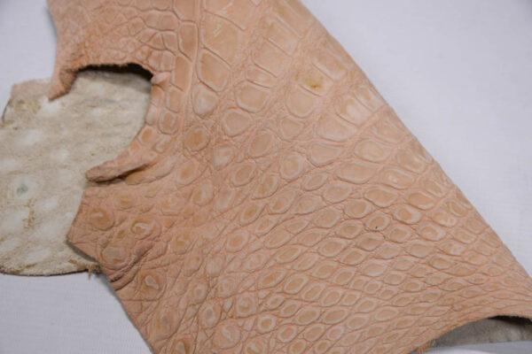 Нубук крокодила, светло-розовый- kr-347