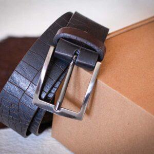 Мужской темно-коричневый кожаный ремень rm-001 (108/95/4)