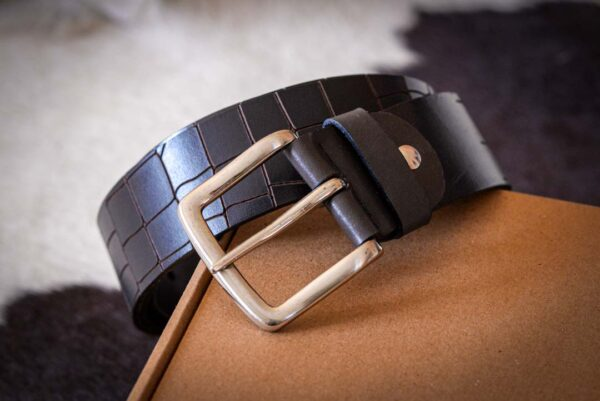 Мужской темно-коричневый кожаный ремень rm-013 (137/126/4,2)