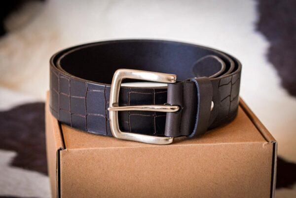 Мужской темно-коричневый кожаный ремень rm-009 (119/108/4,3)