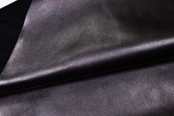 Кожа КРС, черная, 155 дм2.- D1-353
