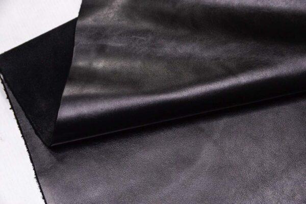 Кожа КРС, черная, 149 дм2.- D1-354