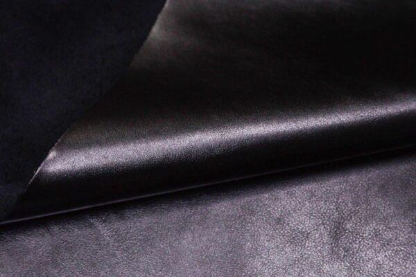 Кожа КРС, черная, 115 дм2.- D1-355