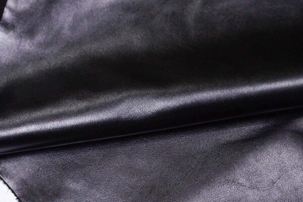 Кожа КРС, черная, 198 дм2.- D1-356