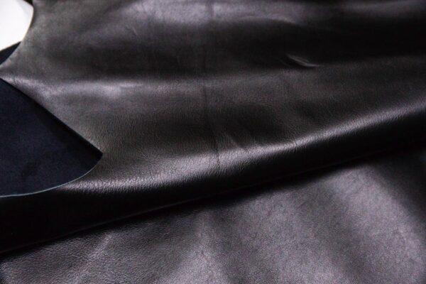 Кожа КРС, черная, 170 дм2.-D1-400