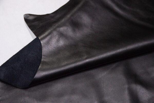 Кожа КРС, черная, 198 дм2.-D1-402