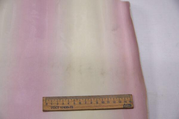 Лаковая кожа теленка, молочно-розовые полосы, 67 дм2.-110007