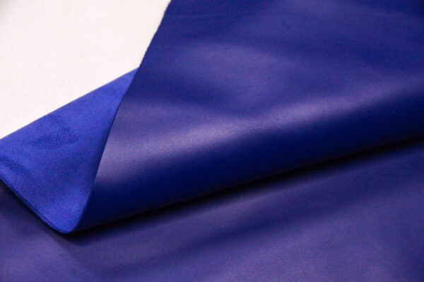 Кожа КРС, синяя, 95 дм2.-110118