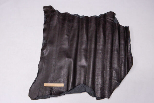 Кожа теленка, темно-коричневая, 58 дм2.-110174