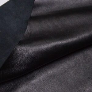 Кожа МРС, черная, 10,5 фут2 (98 дм2).-110176