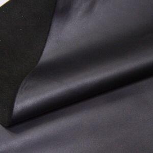 Кожа одежная КРС, черная матовая, 115 дм2.-110179