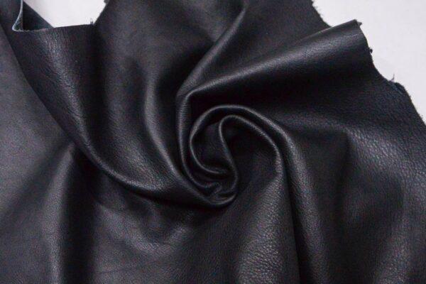 Кожа КРС, черная, 54 дм2.-110182