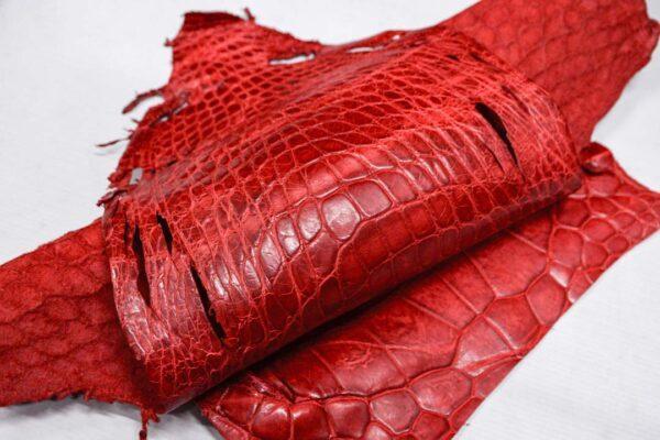 Кожа крокодила, красная, с эффектом пул ап (Pull Up)- kr-358