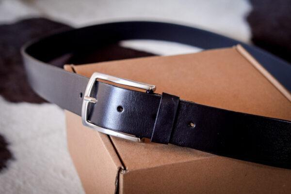 Мужской черный кожаный ремень rm-025 (134/123/3,3)