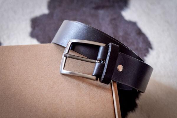 Мужской черный кожаный ремень rm-027 (123/113/3,8)