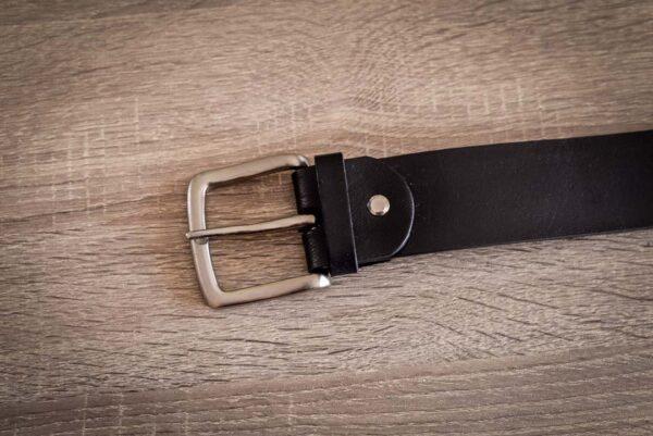 Мужской черный кожаный ремень rm-032 (133/122,5/4,2)