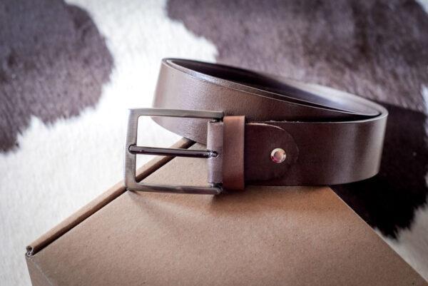 Мужской коричневый кожаный ремень rm-038 (126/115/3,8)