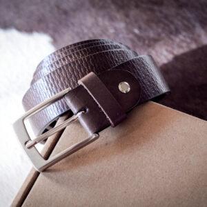 Мужской коричневый кожаный ремень rm-039 (132/119/3,3)