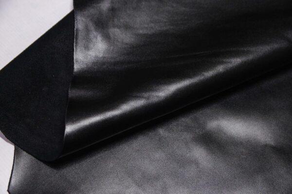 Кожа КРС, черная, 122 дм2.- D1-443