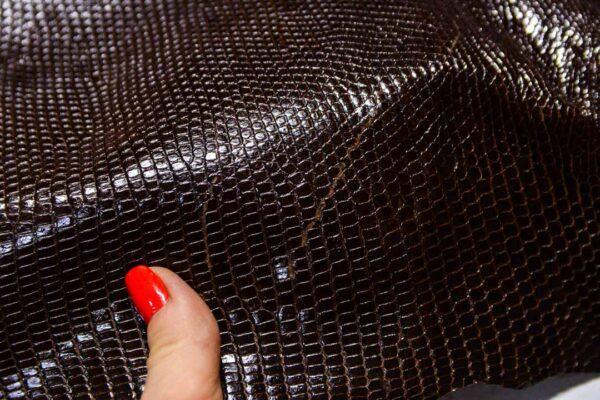 Кожа игуаны, темно-коричневая, 103х42 см.- ign-036