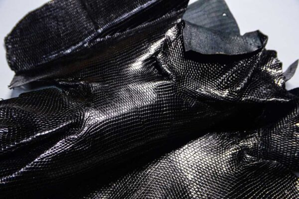 Кожа игуаны, черная, 80х40 см.- ign-043