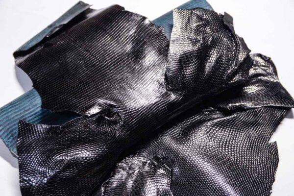 Кожа игуаны, черная, 80х35 см.- ign-048