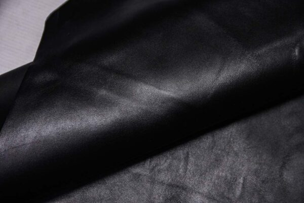 Кожа МРС, черная, 53 дм2.-110340