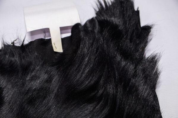 Шкура козы с ворсом, черная, 38 дм2.-110476