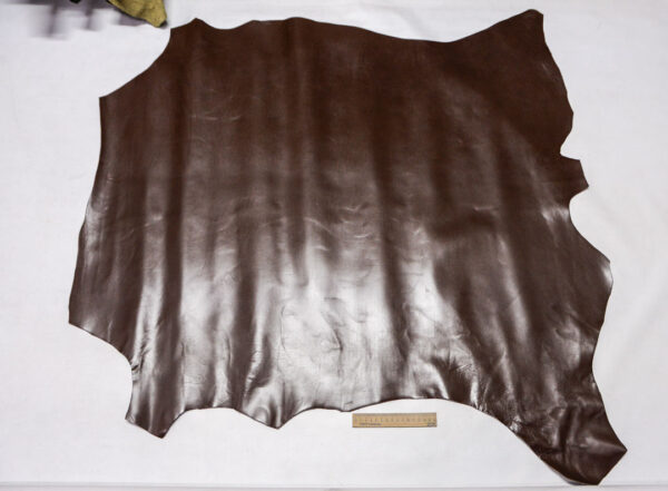 Кожа теленка, темно-коричневая, 103 дм2.-110426