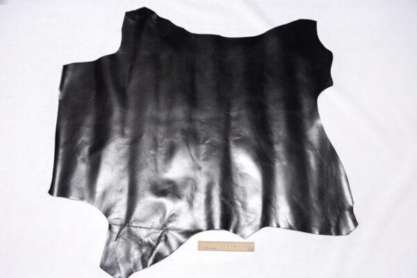 Кожа теленка, черная, 67 дм2.-110428