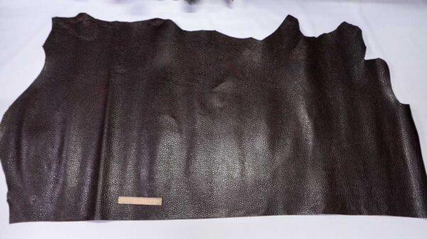 Кожа КРС с тиснением, темно-коричневая, 133 дм2.-110495
