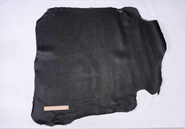 Кожа теленка с тиснением, черная, 76 дм2.-110496