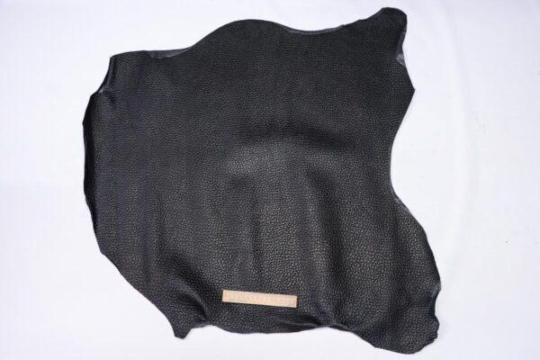 Кожа теленка с тиснением, черная, 58 дм2.-110497