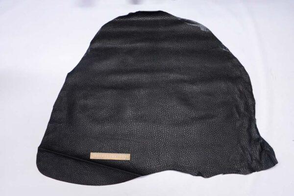 Кожа теленка с тиснением, черная, 65 дм2.-110499