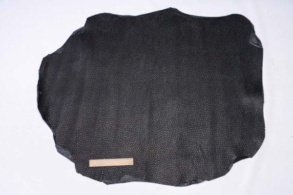 Кожа теленка с тиснением, черная, 63 дм2.-110500
