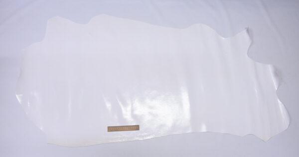 Кожа КРС с тиснением под змею, белая, 92 дм2.-110502