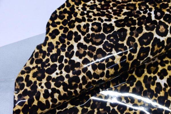 Лаковая кожа теленка с принтом, леопардовая, 72 дм2.-110514