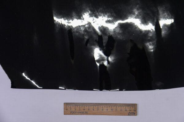 Лаковая кожа теленка, черная, 25 дм2.-110521