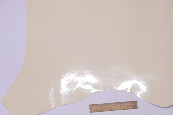 Лаковая кожа теленка, кремовая, 54 дм2, Dolmen S.p.A.-110527