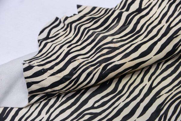 Кожа МРС с принтом, черно-белая, 37 дм2.-110570