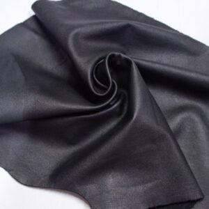 Кожа КРС одежная, черная, 26 дм2.-1-621
