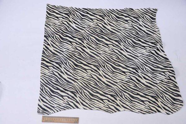 Кожа МРС с принтом, черно-белая, 31 дм2.-110571