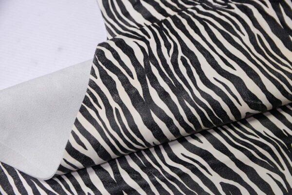 Кожа МРС с принтом, черно-белая, 51 дм2.-110575