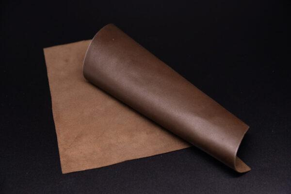 Лоскут кожи (размер А4), цвет - коричневый фундук Т-121