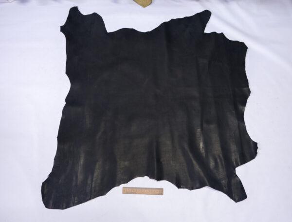 Кожа теленка краст, черная, 67 дм2.-110699